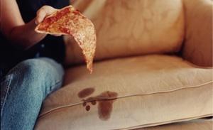Пятна на диване - удаляем народными средствами
